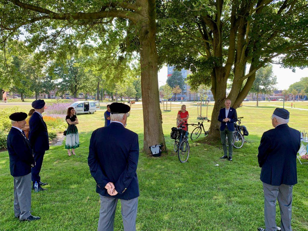 Burgemeester spreekt veteranen en andere gasten toe